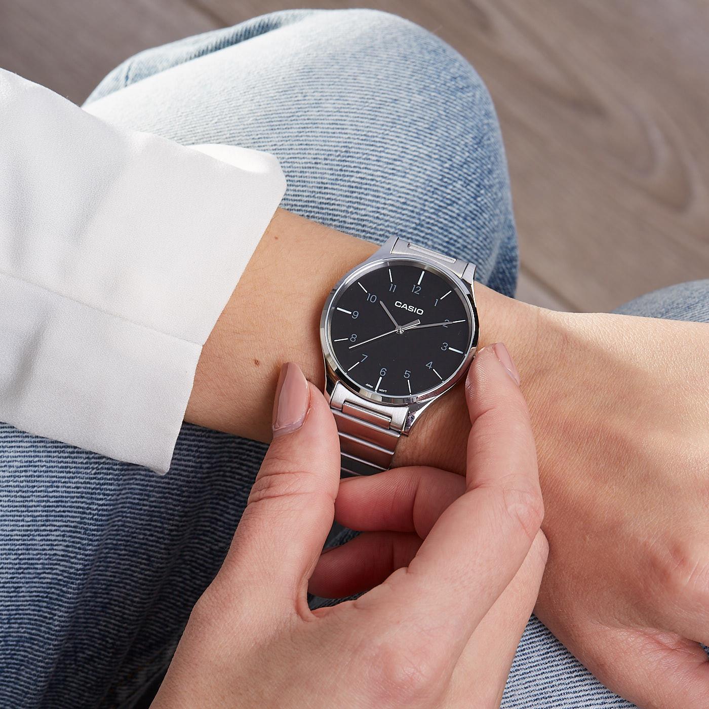 Casio Retro horloge LTP-E140DD-1BEF