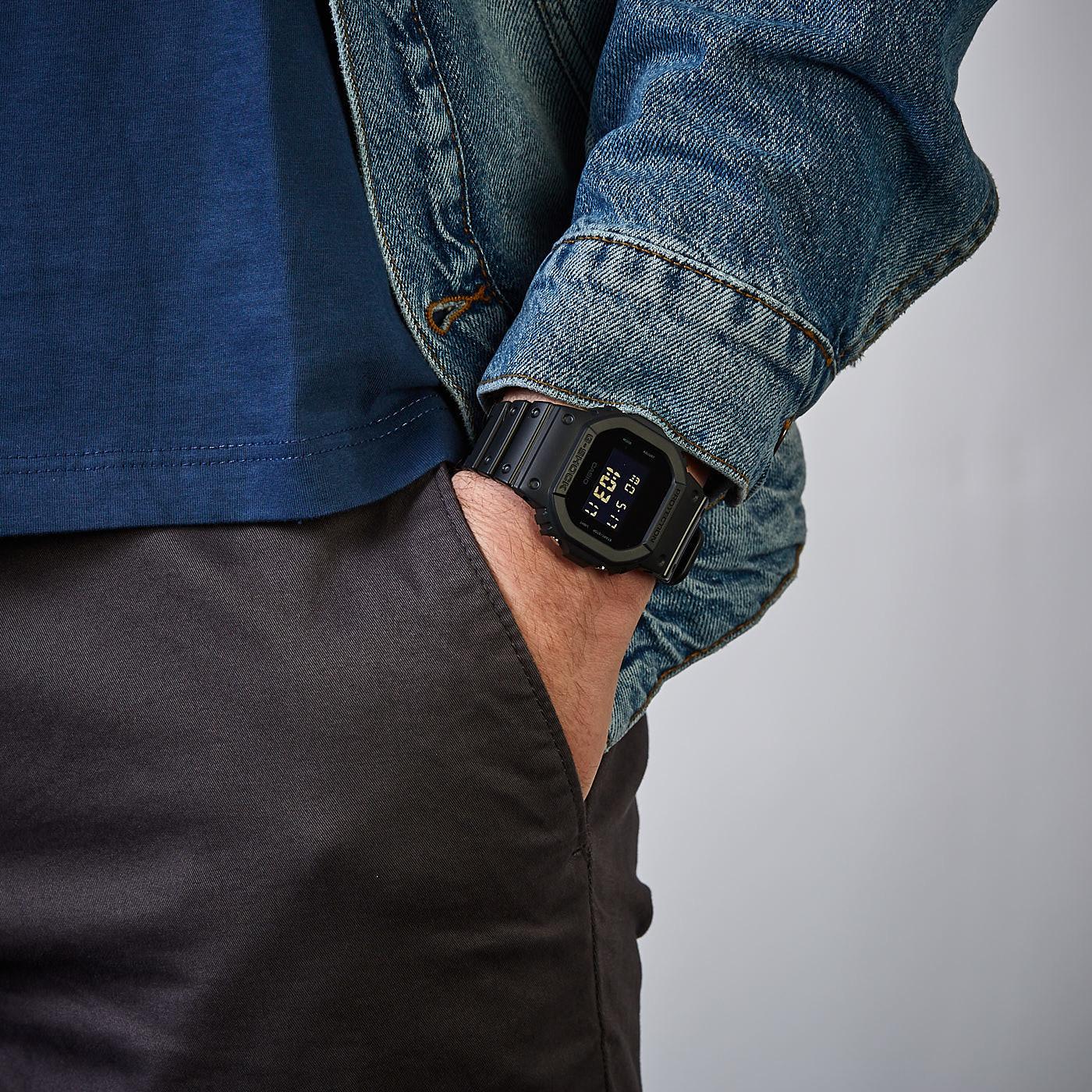 Casio DW-5600BB-1ER horloge