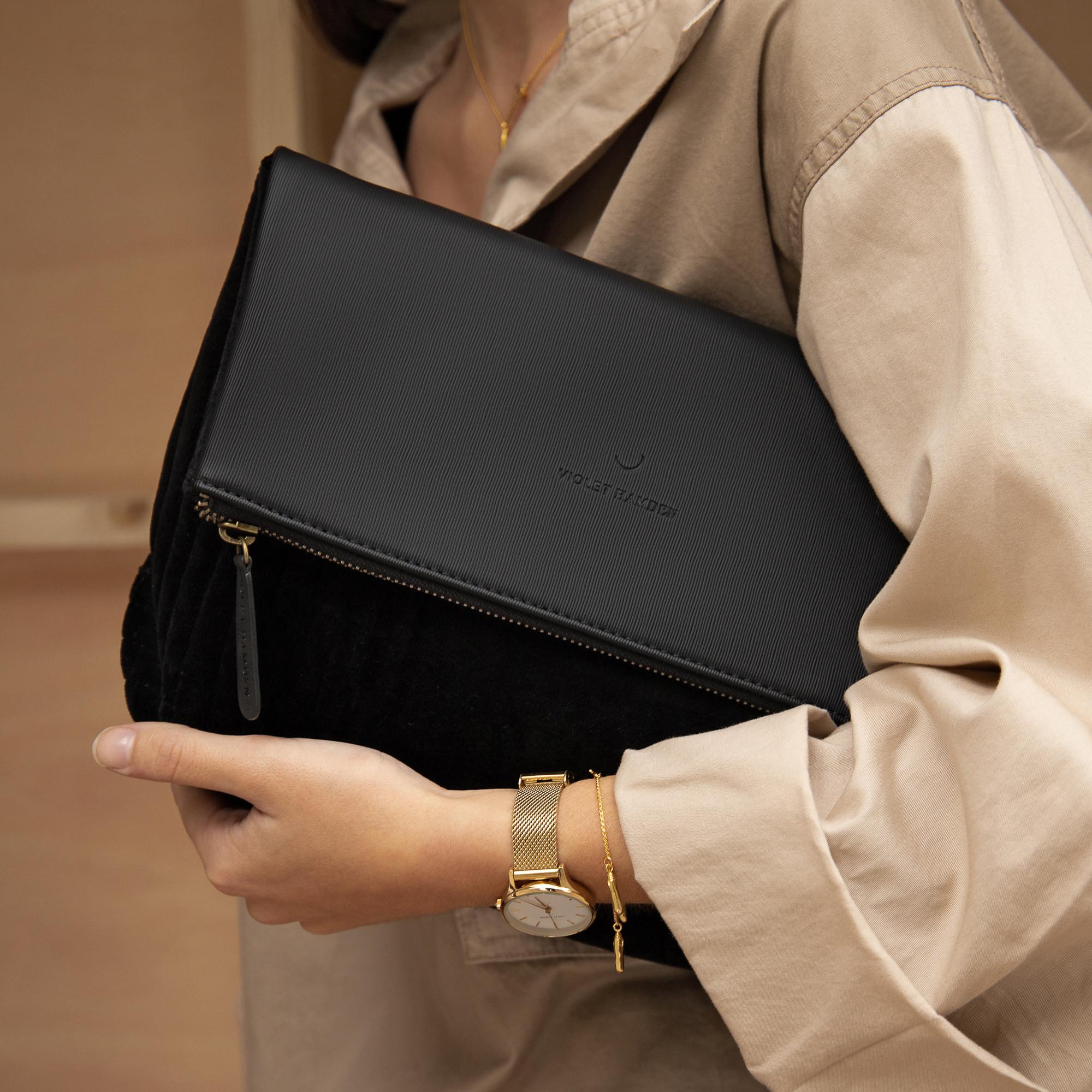 Violet Hamden Essential Bag black Clutch VH21004